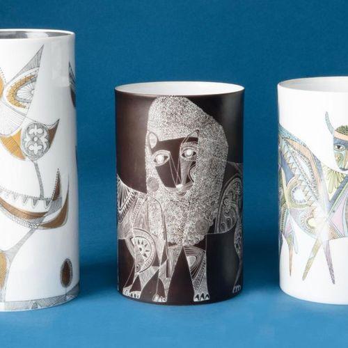Paire de vases cylindriques et un autre. Rosenthal 1940 et plus tard. Porcelaine…