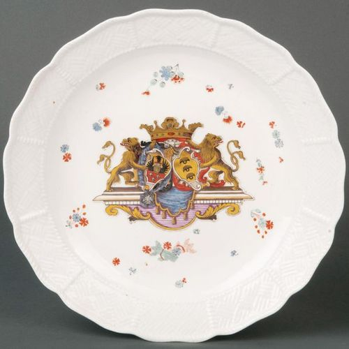 """Large plate from the """"Sulkowski"""" Meissen coat of arms service 1735 40 Round trou…"""
