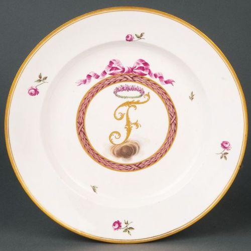 """Assiette du service des armoiries """"Fontanesi"""" Frankenthal 1787 Abreuvoir rond. D…"""