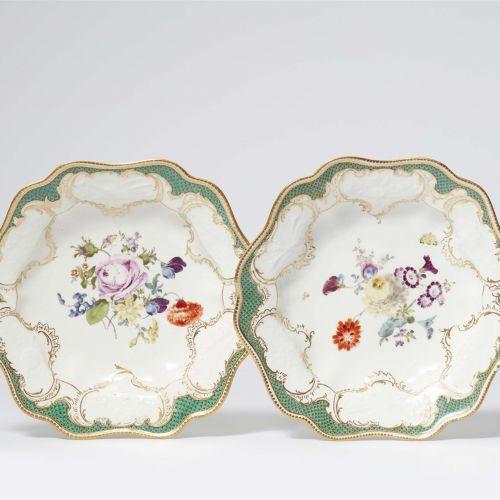 Meissen Königliche Porzellanmanufaktur Zwei tiefe Teller aus einem Tafelservice …