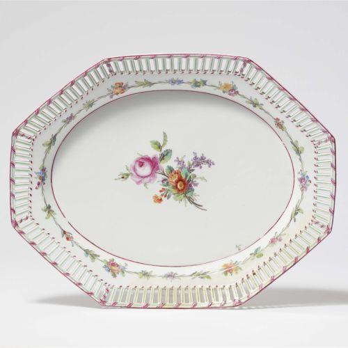 Königliche Porzellanmanufaktur Berlin KPM Dessertplatte aus dem Service für Schl…