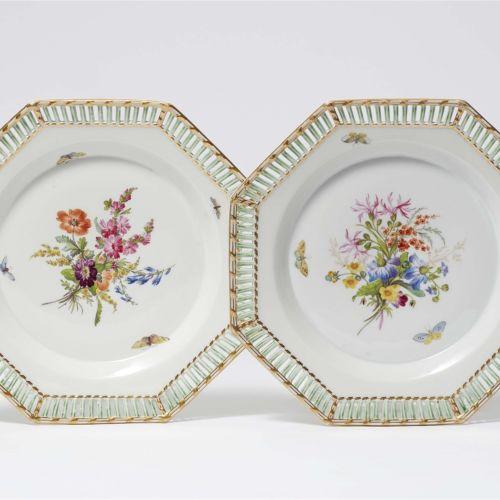 Königliche Porzellanmanufaktur Berlin KPM Paar Teller aus einem Dessertservice m…