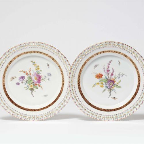 Königliche Porzellanmanufaktur Berlin KPM Paar Dessertteller aus einem Service f…