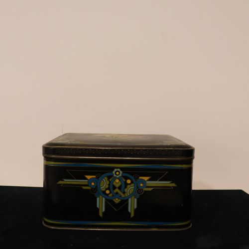 Antique black box with flowers, L24cm, W 21cm, H13cm in very good condition