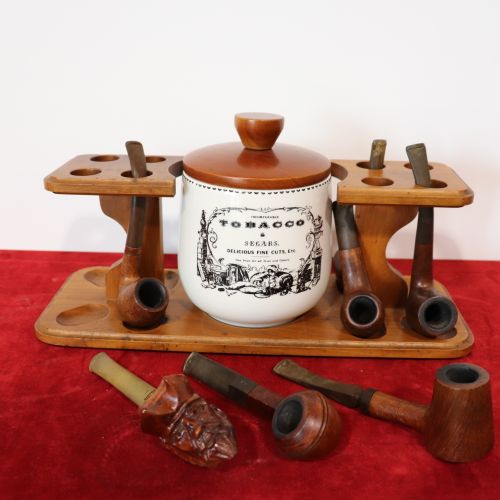 Pipe rest 8 compartments with 7 pipes and a tobacco pot TOBACCO SEGARS