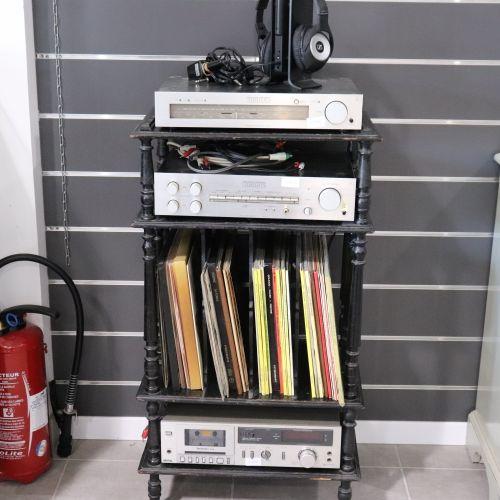 A Napoleon III style vinyl storage unit Dimension H 97 x W 53 x D 37 cm.