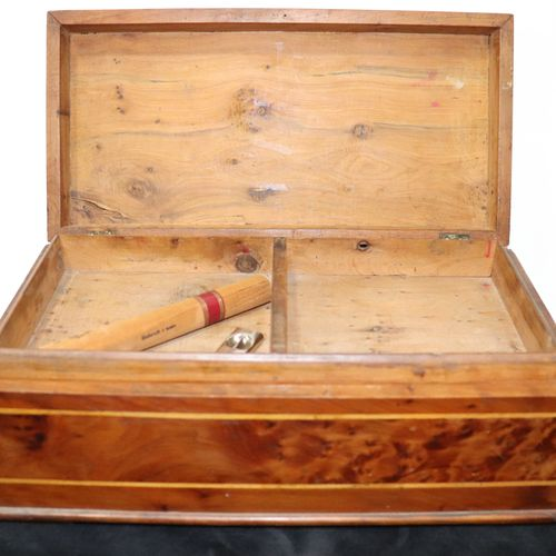 Cigar case, elm or olive tree burr, finely inlaid with an inscription (oriental)…