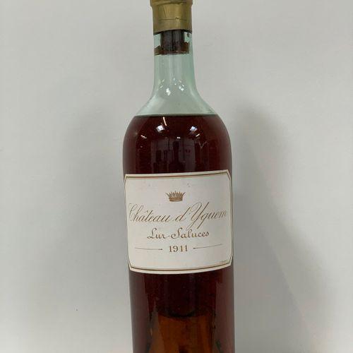 1 bouteille Chateau d'Yquem 1911 Sauternes 1er Cru Classé Supérieur, acquit, niv…