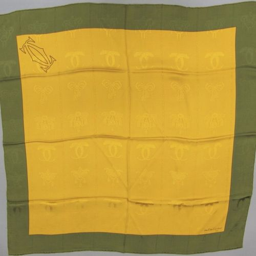 Must de CARTIER  Square in yellow printed silk and khaki half knot, panther in t…