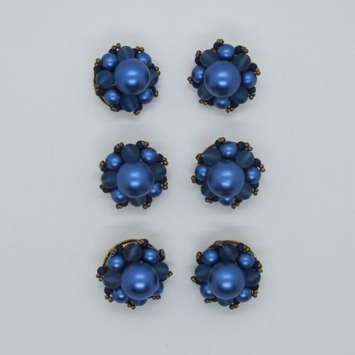 Pack of 6 buttons composed of blue balls and gold metal.  D. 3 cm
