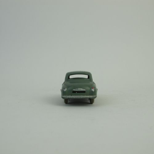 Dinky Toys France set of 2 miniatures at 1/43rd of which : Simca 9 dove referenc…