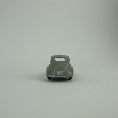 Lot of miniatures 1/43rd dinky toys in poor condition and condition of use witho…
