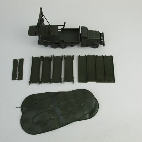 Dinky supertoys military truck brockway with deck and boat complete in its box n…