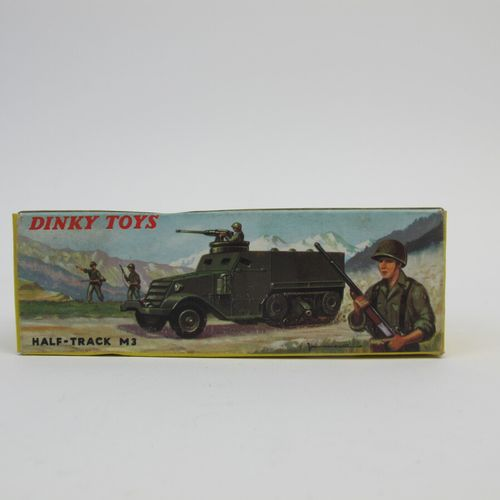 Dinky toys set of 2 military miniatures in original box including : Armoured rec…
