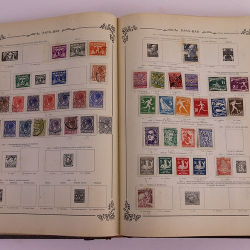 ALL COUNTRIES: Small lot of cancelled stamps, of low value, contained in an albu…