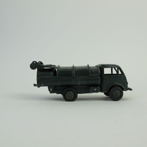 Lot of miniatures to 1/ 43rd dinky toys in poor condition and state of use inclu…