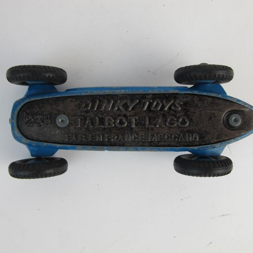 Lot of miniatures to 1/ 43rd dinky toys in poor condition and state of use witho…