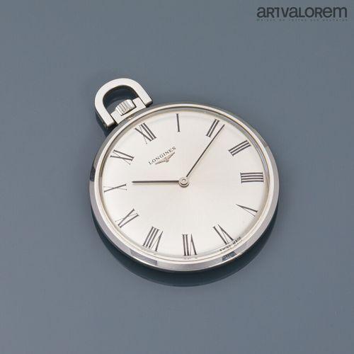 LONGINES  Montre de poche en acier, cadran argenté à index chiffres romains. Dia…