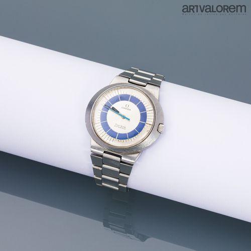 OMEGA DYNAMIC  Montre bracelet en acier, cadran ovale en acier et acier bleuit à…