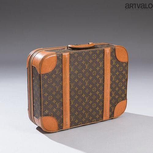 LOUIS VUITTON  Petite valise semi rigide Stratos en toile enduite monogrammée et…