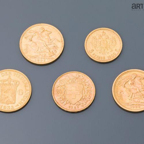 Une pièce 20 francs Suisse or (1949) , une pièce de 10 gulden or (1932), deux So…