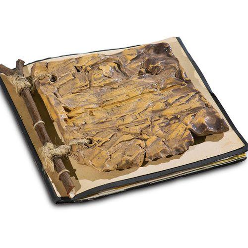 Heinze, Frieder Katalog der Galerie Theaterpassage mit aufgelegtem keramischem O…