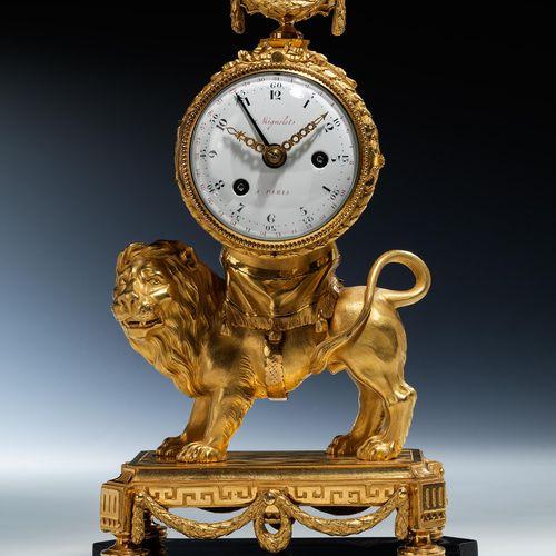 "Bedeutende Louis XVI Pendule ""Au Lion"" 34 x 20 x 13 cm. Zifferblatt signiert ""Mi…"