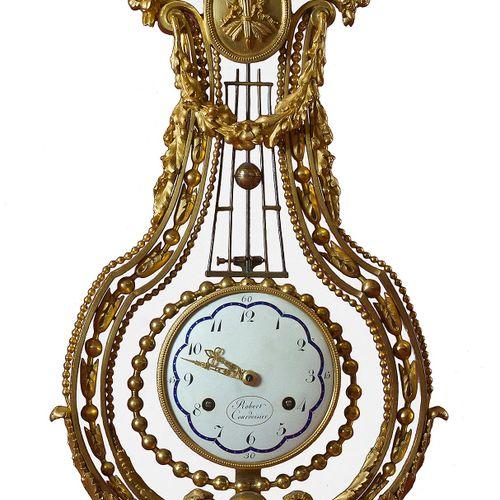 Louis XVI Kaminuhr Höhe: 70 cm. Breite: 29 cm. Tiefe: 12 cm. Zifferblatt signier…
