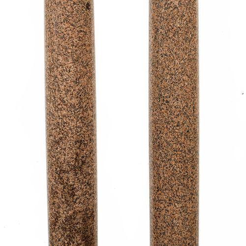 Paar Ionische Säulen Höhe: 174 cm. Basis: 32 x 32 cm. Frankreich, 18./ 19. Jahrh…