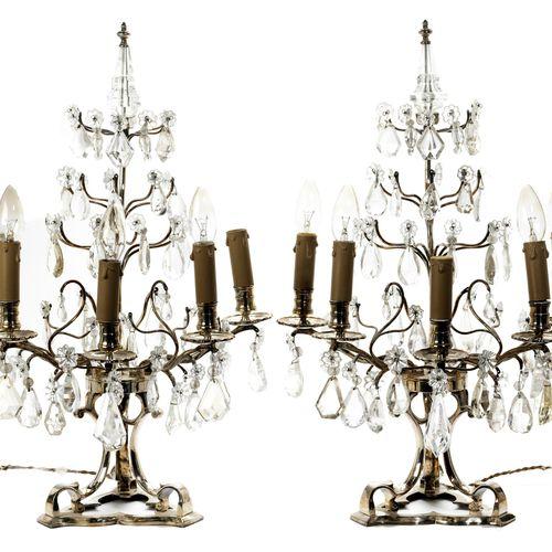 Paar Girandolen mit Kristallbehang Höhe: 64 cm. Frankreich, wohl 18. Jahrhundert…