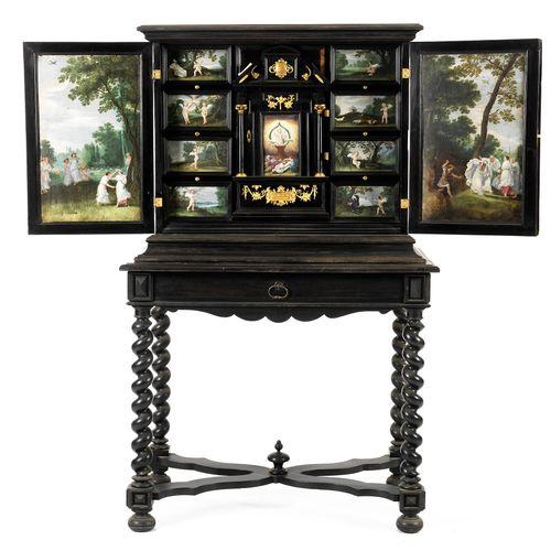 Flämisches Kabinett mit feiner Malerei 143 x 29 x 42 cm. Flandern, 17. Jahrhunde…