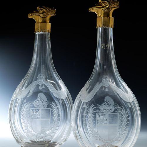Paar Kristallglasflaschen mit Dogenwappen Höhe: 45 cm. Maximale Breite: 19 cm. I…
