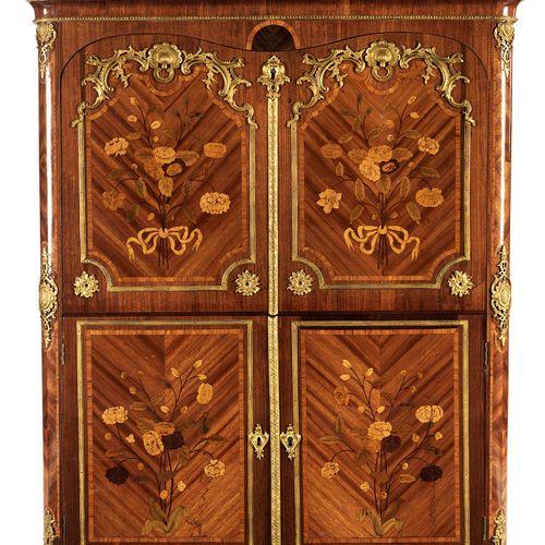 Louis XV Secrétaire à abattant 145,5 x 120 x 46 cm. Charles Cressent, zugeschrie…