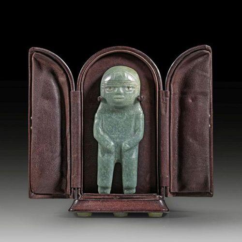 ALT AMERIKA A miniature jade Olmec figure, polished, standing on tapering legs, …