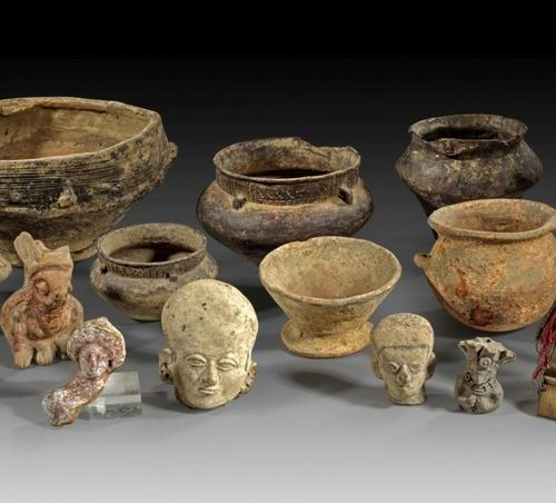 LOT Collection of precolumbian ceramics comprising two Tumaco La Tolita heads an…