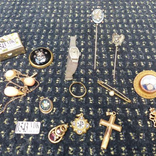 Lot de bijoux en or jaune 9 carats, 14 carats, 18 carats et platine (collier, br…