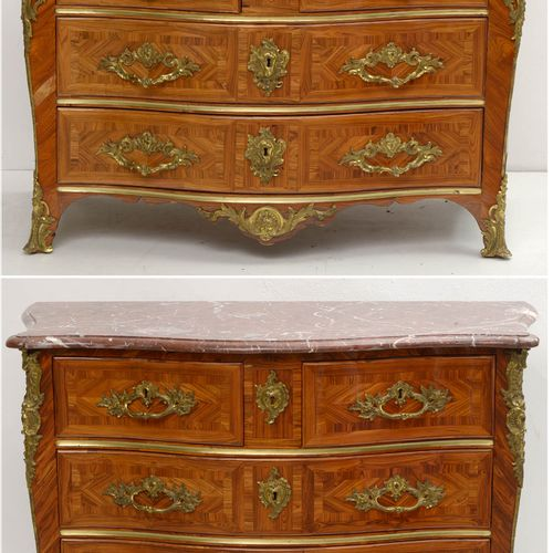 """Pair of Louis XV """"Crossbows"""" chest of drawers in rosewood veneer and curly marqu…"""