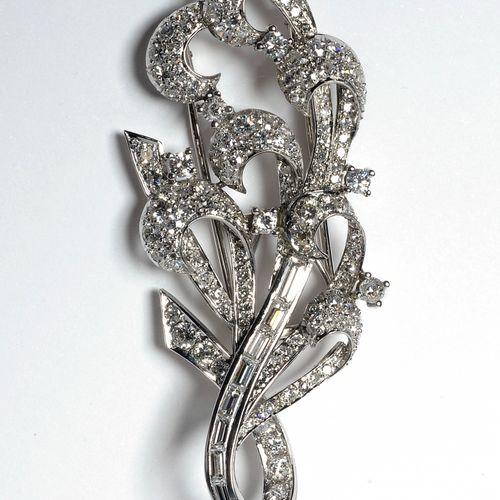 Broche en or blanc 18 carats sertie de diamants taille brillant, taille 8/8 et t…