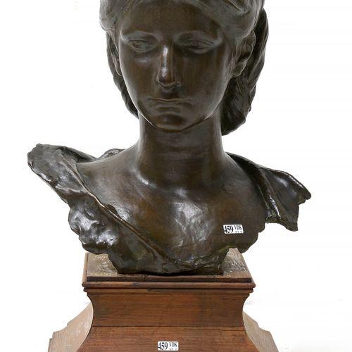 "VAN DER STAPPEN Charles (1843 1910) 棕色铜质的 ""女人半身像""。签名:Ch. Van der Stappen并带有创始人J.…"