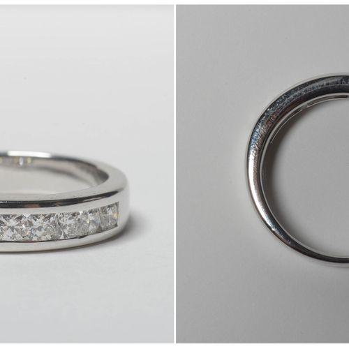 Bague en or blanc 18 carats sertie de diamants taille flanders pour un total de …