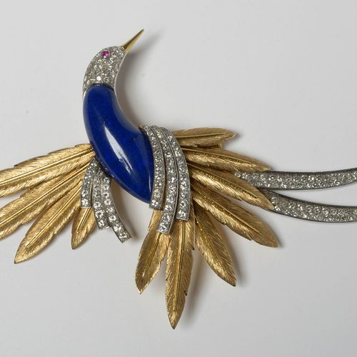"""Broche en forme """"D'oiseau du paradis"""" en or jaune et or blanc 18 carats sertie d…"""