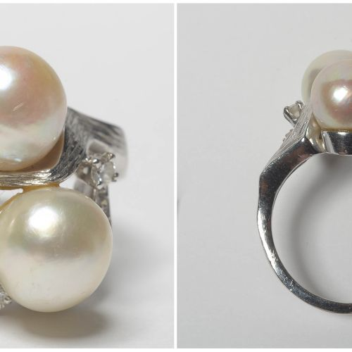 18K白金戒指,镶嵌珍珠和明亮式切割钻石,总重+/ 0.20克拉。手指大小:52 53。总重量:+/ 11.3gr。