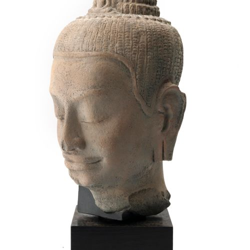 CAMBODGE, Style KHMER Buddha head.  Reconstituted stone casting.  Soclée.  H. He…