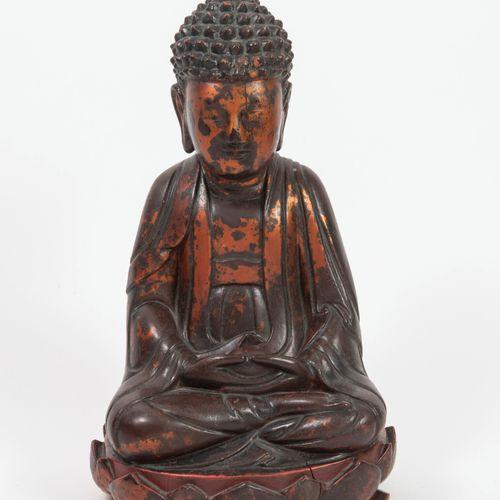 CHINE, fin du XIXème siècle début du XXème siècle Buddha sitting in the lotus po…