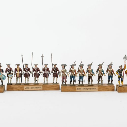 C.B.G Made in France Ensemble de vingt quatre figurines historiques polychromes …