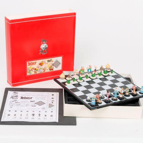 Pixi, Paris Astérix, mini jeu d'échecs, 1996.  Tirage limité à 700 exemplaires. …
