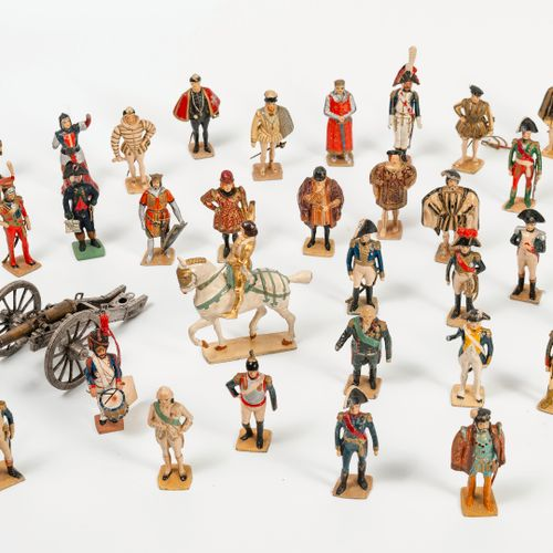 VERTUNNI Ensemble de trente trois figurines historiques en plomb et quelques sol…