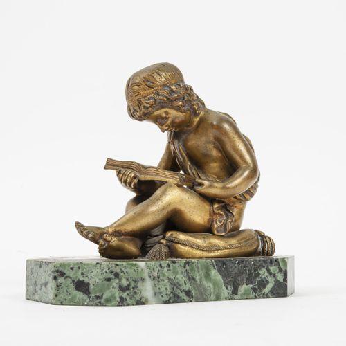 D'après Charles Gabriel LEMIRE (1741 1827) 幼儿在垫子上阅读。  鎏金铜质证明。  垫子上签有创始人的印章Jollet…