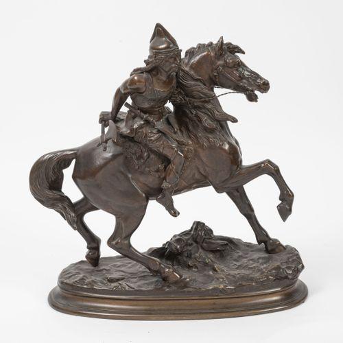 D'après Alfred Pierre Richard (1844 1884) 马背上的高卢武士。  抛光青铜的证明。  在露台上签名。  H.42厘米。 …