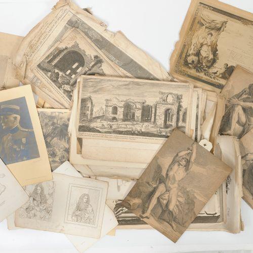 Un lot comprenant :   gravures anciennes.   Pochoirs   photographies.  XIXe sièc…